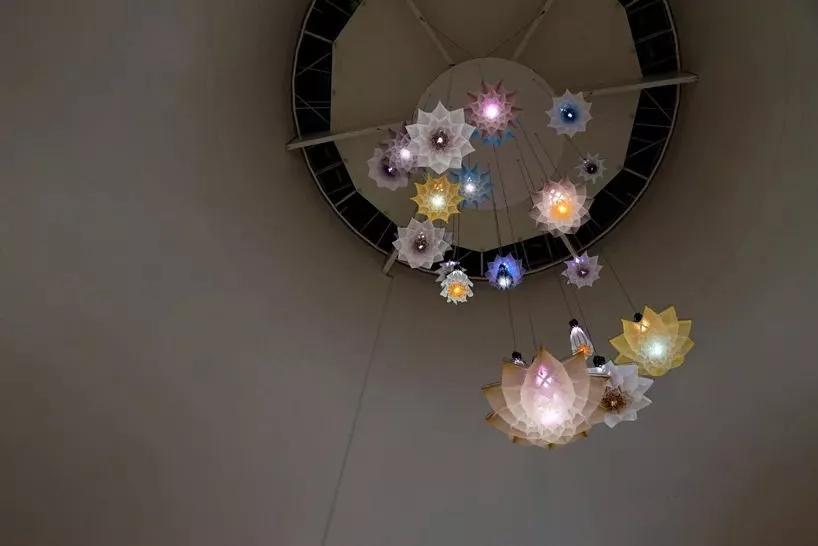 体感机械吊灯,当你靠近时就会开花
