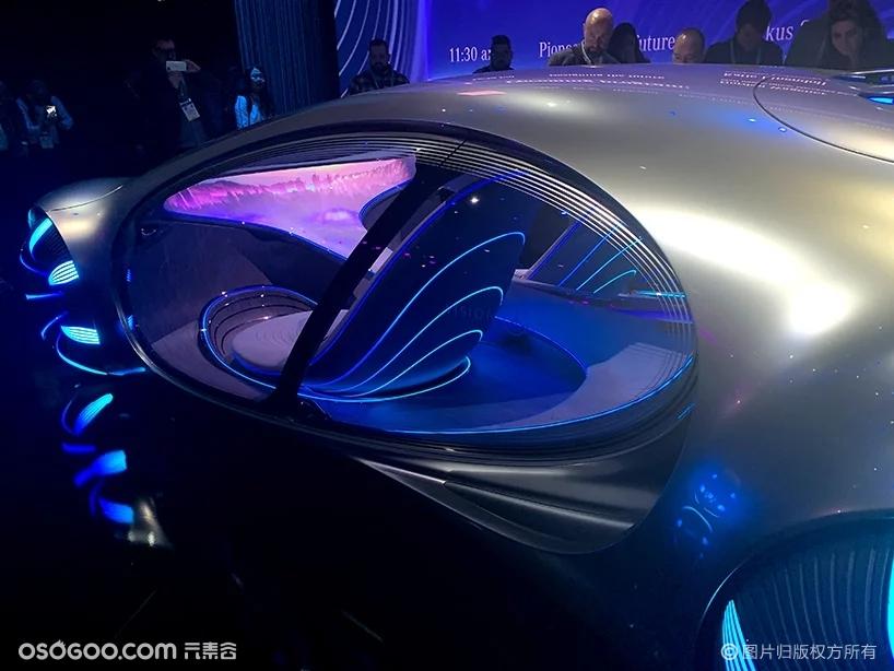 梅赛德斯-奔驰视觉AVTR概念车登陆CES2020