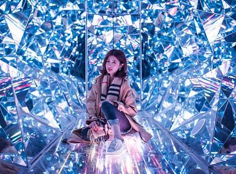 钻石隧道网红拍照打卡空间 钻石隧道 钻界 万花筒美陈展览道具