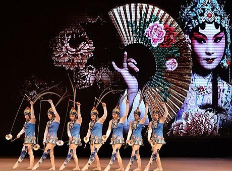 《空竹俏花旦》:杂技节目表演,欢迎咨询预订演出