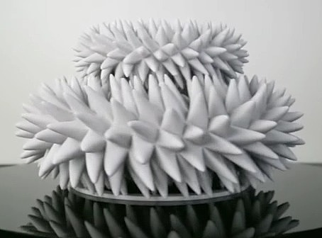 创造永无止境的木制运动雕塑