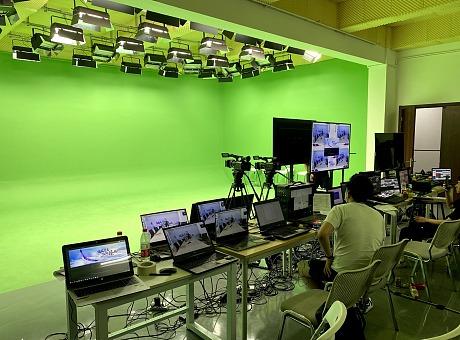 2020.8.18日绿幕虚拟线上会议、五地同台、双语同传