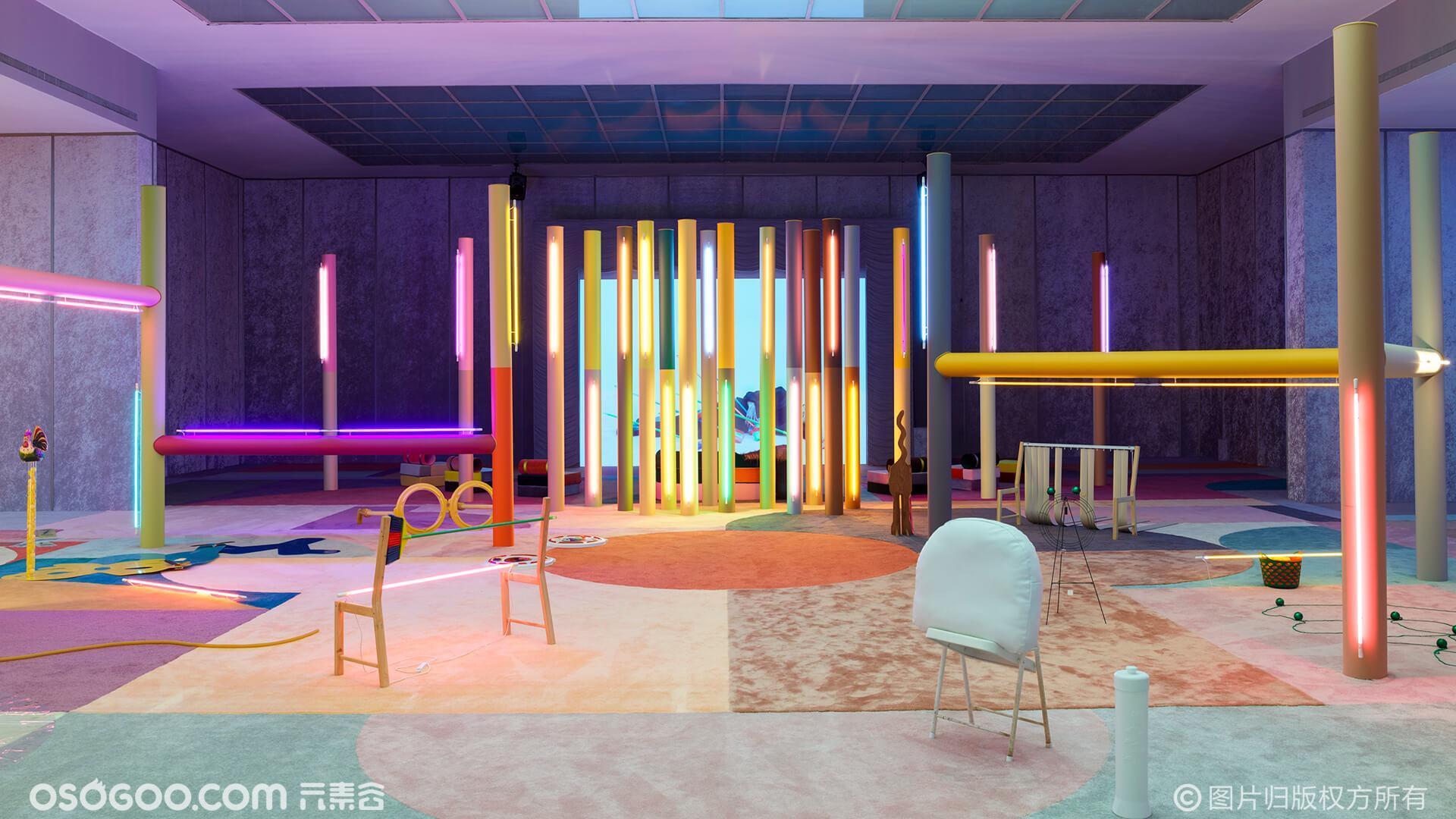 寻找霓虹灯的灵感吗?该节目从地板到天花板使用鲜艳的色调
