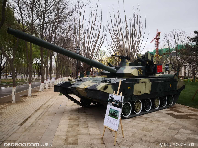 军事模型展,99式坦克、81式作战指挥车、歼15、20等出租