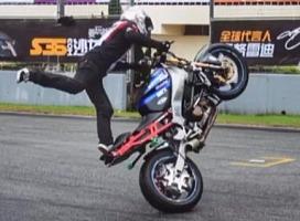 独家极限摩托车花式表演 摩托车平地花式表演
