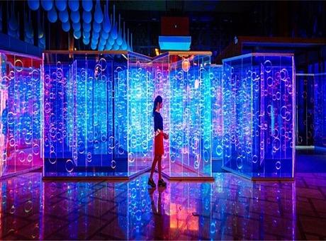 沉浸式灯光互动装置艺术案例-光影迷宫-宇宙