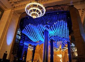 案例|由近600个动能液滴创造的水灵感艺术装置