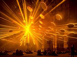 案例分享|探讨复杂的光线和声音对人类感知的艺术装置